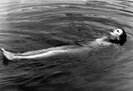 hedy-lamarr-nuda-in-una-celebre-scena-di-estasi-1933-283500